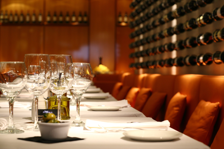 San-Carlo-Manchester-interior_table-setting-min