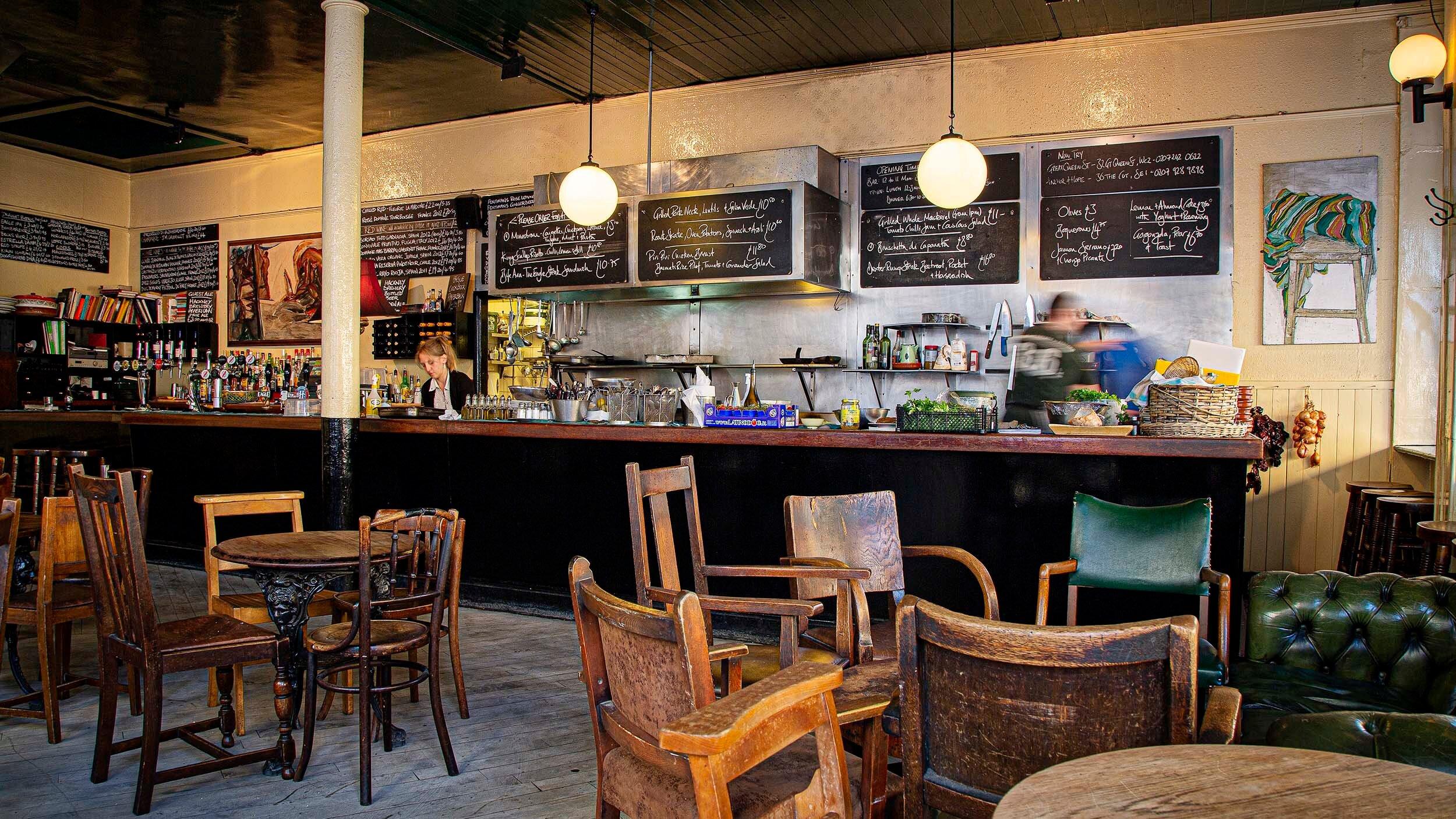 the-eagle-farringdon-pub-interiors